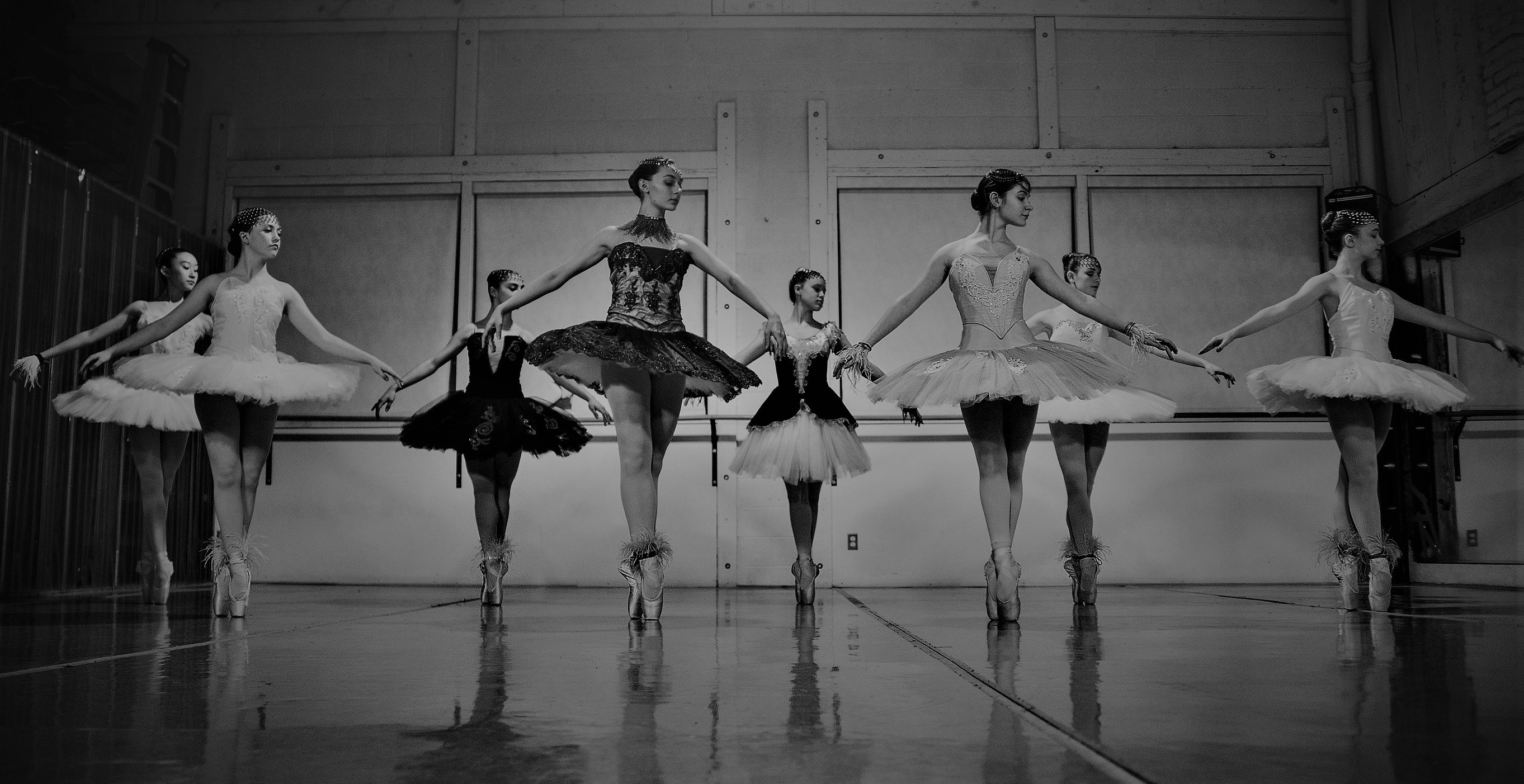 Stretching_Ballet_Students